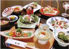ホテルサンバリーアネックス内 日本料理 若潮